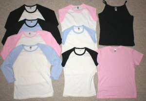 WHOLESALE LOT 24 WOMENS JUNIORS RESALE TOPS CLOTHING