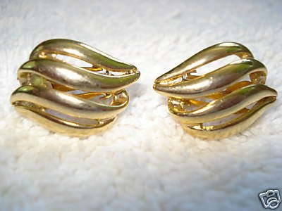 FREE SHIPPING Gold Wavy Clip-On Earrings