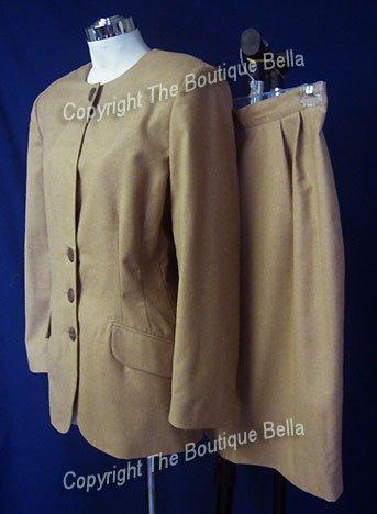 SIZE 6 - 8   Beige Corporate Beige Career skirt suit