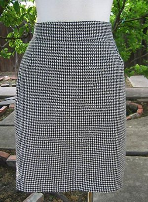 Size 4-6 VERTIGO Versatile little career skirt