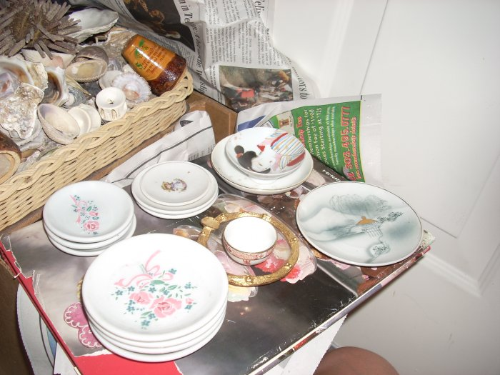 tea set pieces china; plates mostly