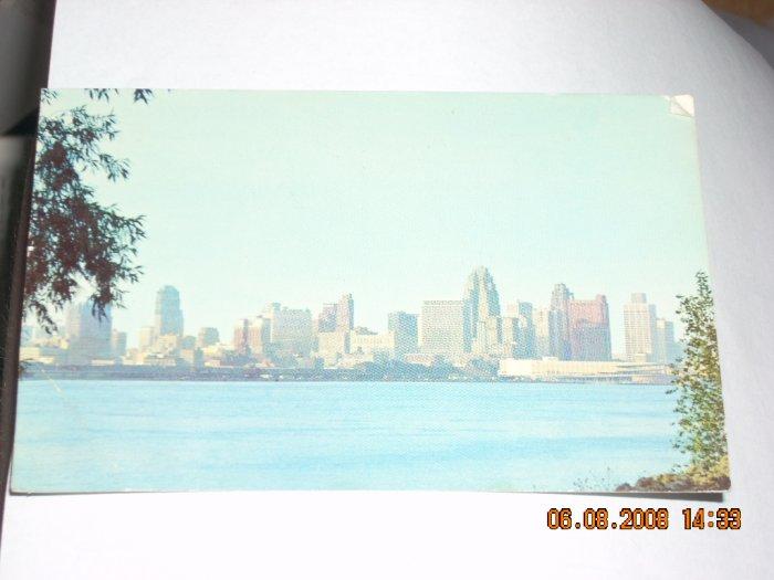 detroit skyline mirro-krome