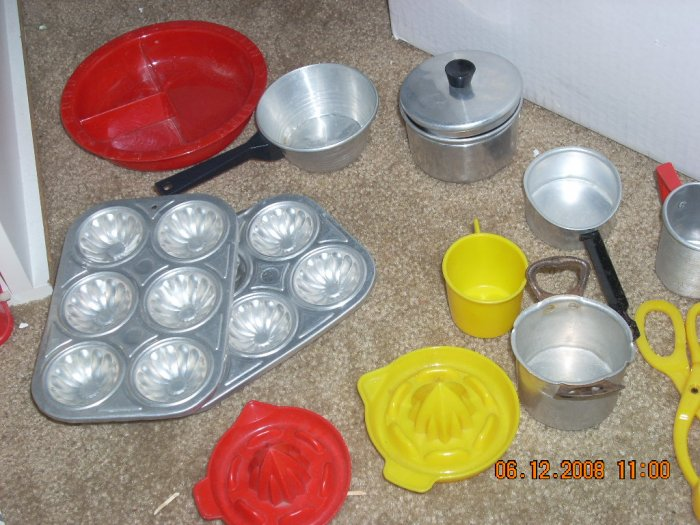 doll size cookware vintage