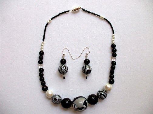 Black White Gray Necklace Ear Ring Set