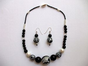 Black White Gray Necklace Ear Ring Set