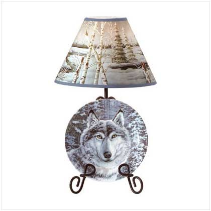 WOLF IN SNOW PLATE/RACK/LAMP