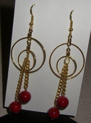 Dangel Earring/Round red Stone