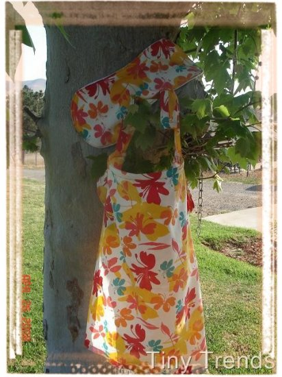 """Tiny Trends Boutique Nursing Cover with Matching Burp Cloth """"Hawaiian Delight"""""""