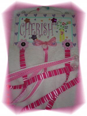 "Tiny Trends Boutique Hair Bow Holder ""Cherish"""