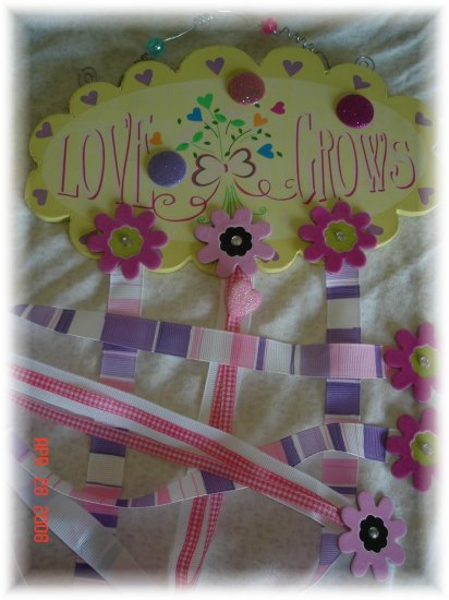 """Tiny Trends Boutique Hair Bow Holder """"Love Grows"""""""