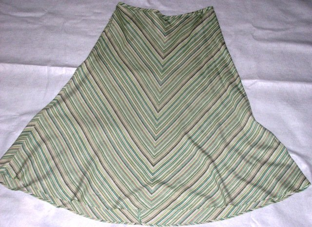 Yarn Dyed Linen-Blend Skirt (Size: 18/20)