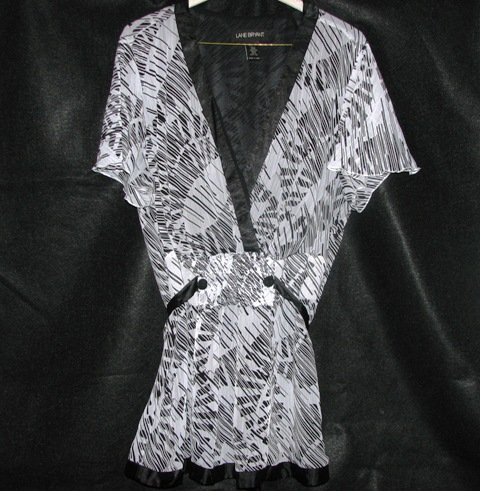Sketch Print Flutter Sleeve Blouse (Size: 22/24)
