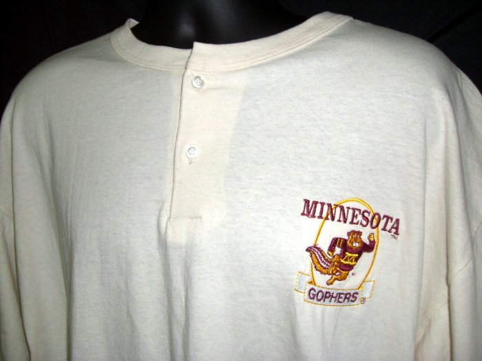 SOLD!  Minnesota Golden Gopher XL T-Shirt NEW NWT Rare 3-Button Down Tee Shirt U of M