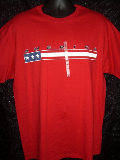 NWT Size LARGE Red T-Shirt AMERICA