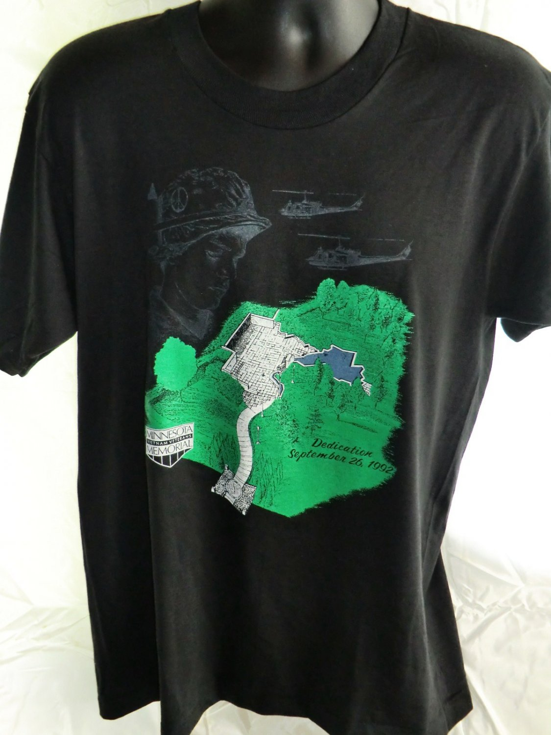 Vintage Minnesota Vietnam Memorial Medium/Large T-Shirt 9/28/1992