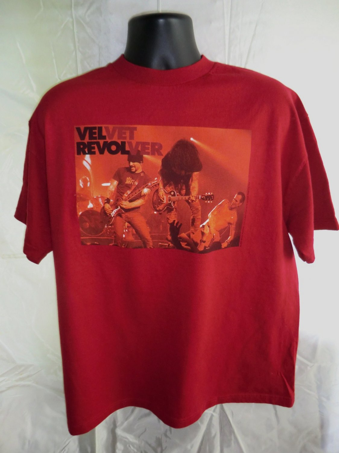 Velvet Revolver 2005  Red T-Shirt Size XL Hard Rock Band