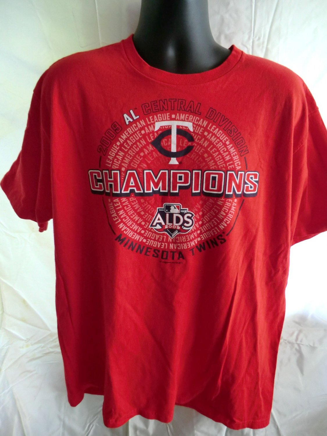 MN TWINS Red XL T-Shirt 2009 AL Central Division Champions