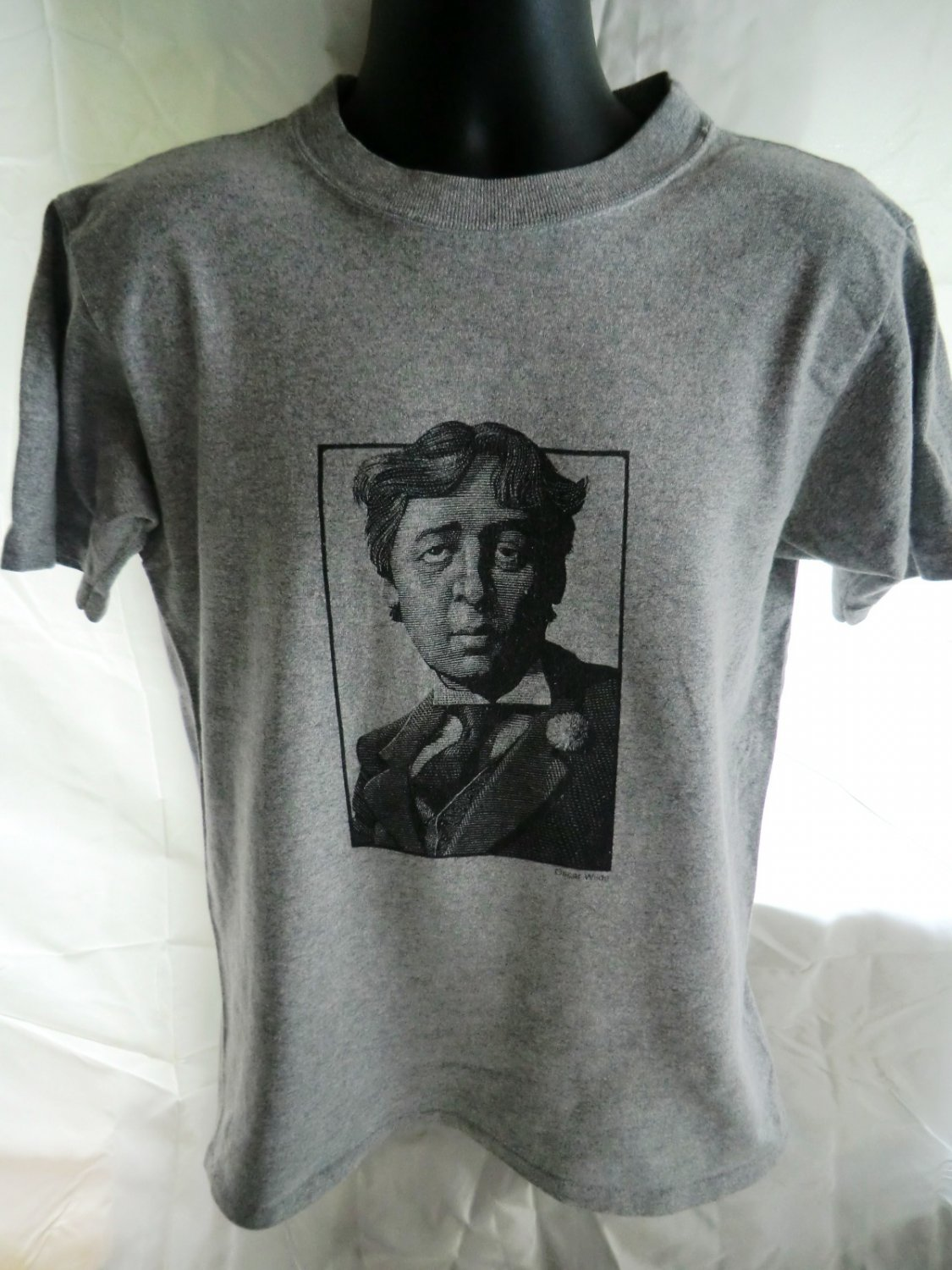 Oscar Wilde Size Medium T-Shirt