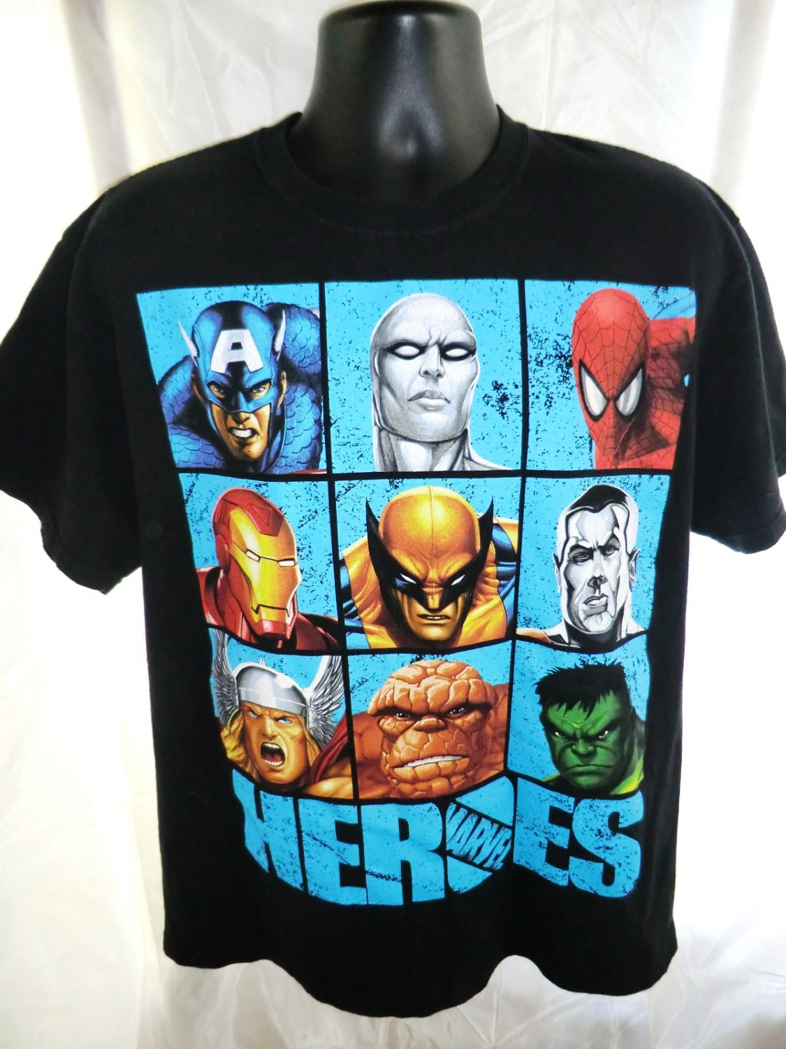 MARVEL HEROES T-Shirt Size Large