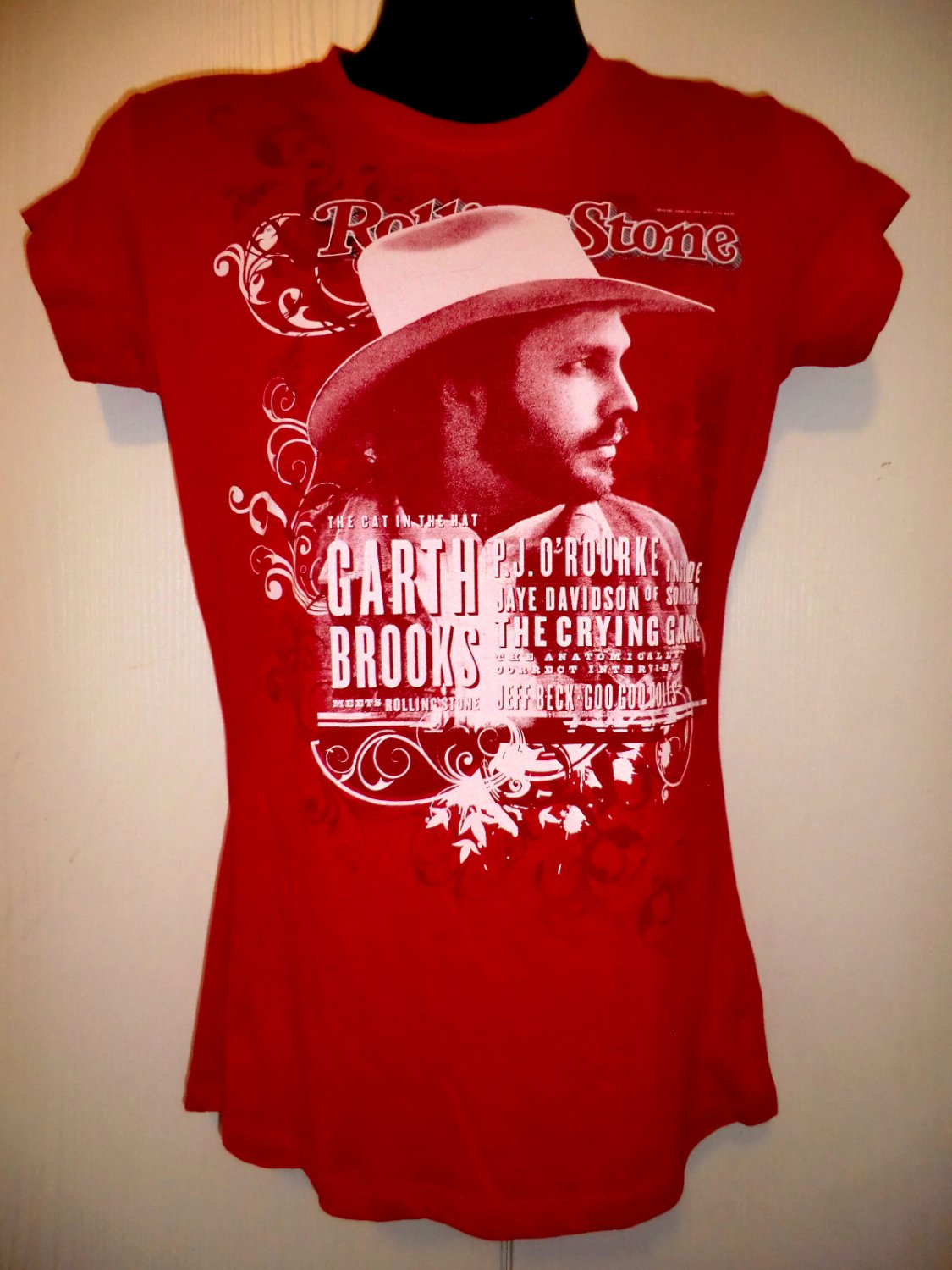 SOLD! Rolling Stone Promo Garth Brooks T-Shirt Size Small NEW!