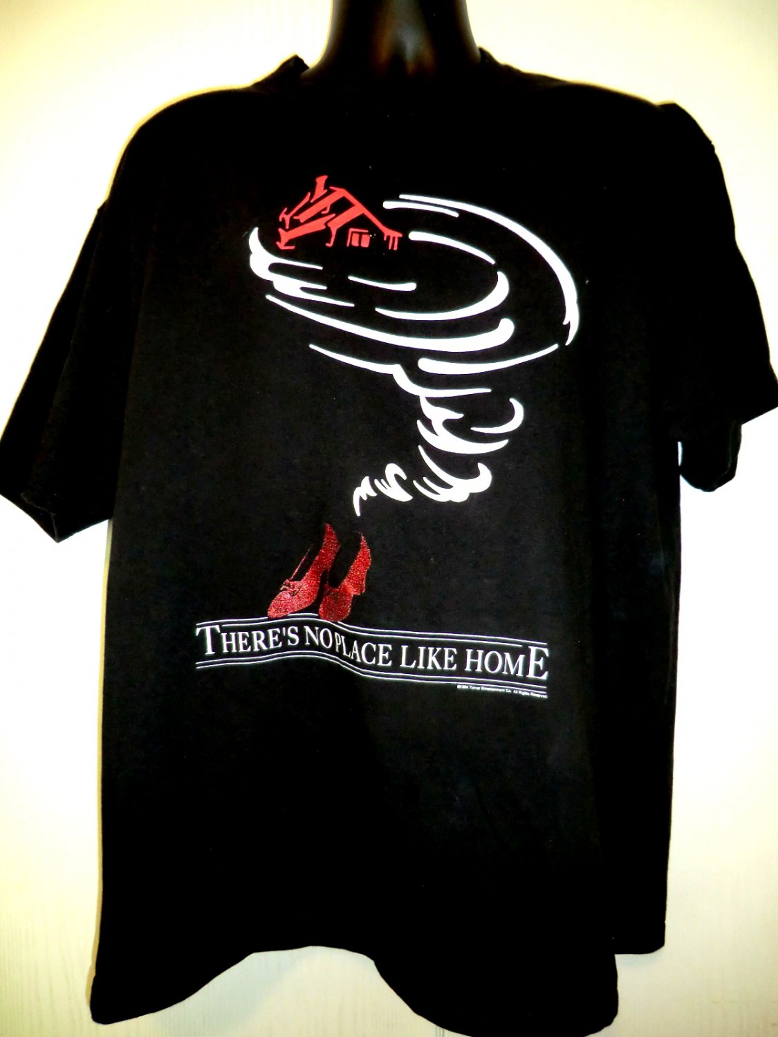 Wizard of oz t shirt size xl there s no place like home for Places to sell t shirts