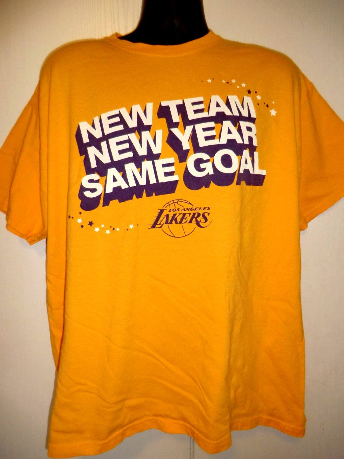 Los Angeles Lakers T-Shirt Size XL New Team New Year Same Goal