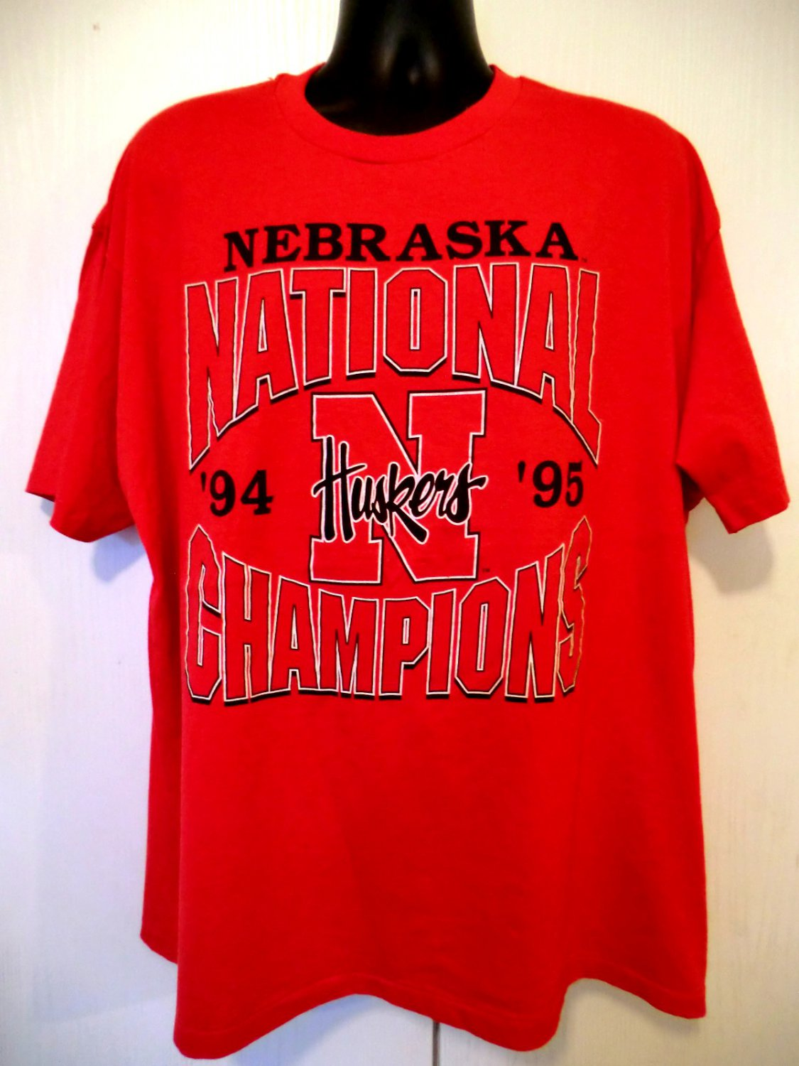 Nebraska CornHuskers  Huskers XXL (2XL) Red T-Shirt National Champions 1994 1995