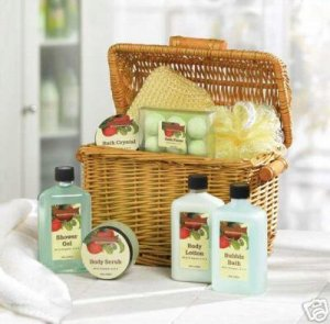 Apple Bath Set (in Willow Basket) - your very own in-home spa essentials!!