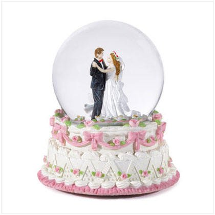 Bridal Snowglobe - beautiful wedding / bridal gift!