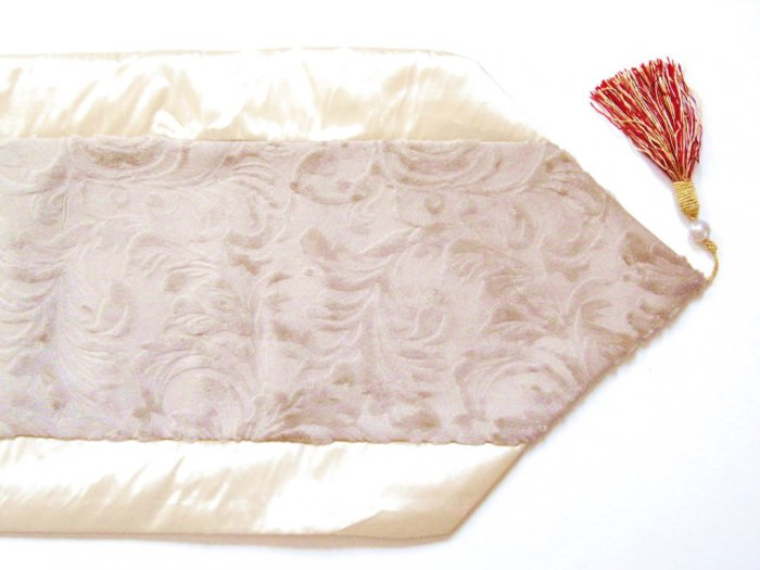Velvet-Like Floral Leaves Table Runner Cream
