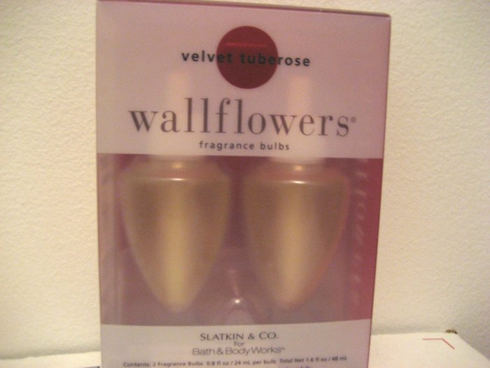 Bath & Body Works Velvet Tuberose Wallflowers Refill