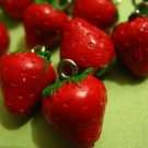 12pcs Vintage Plastic Strawberry Charms