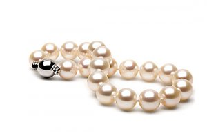 "18"" Elite ""Flawless"" 10 to 11mm FreshWater Pearl Necklace"