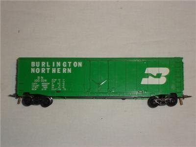 HO TYCO Burlington Northern Box Car Model Railroad