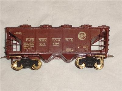 Vintage Pennsylvania 2 Bay Covered Hopper Model Railroad