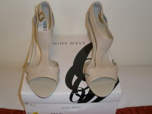 Nine West Pumps Brand New in Box 91/2m