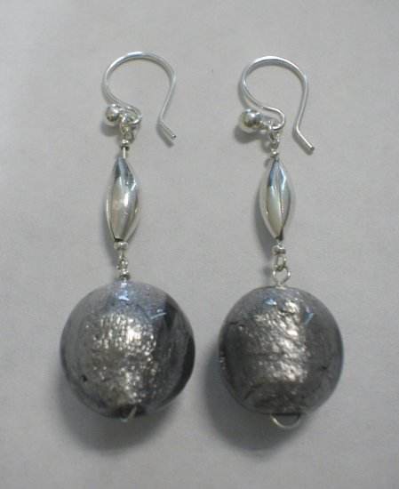 gray murano earrings - aretes de murano gris
