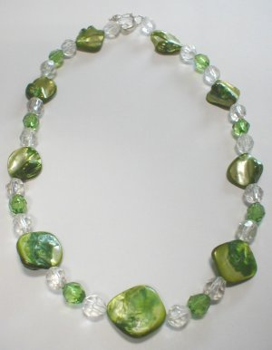 green nacre necklace - collar de nacar verde