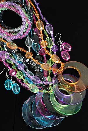 3pcs Necklace Sets Acrylic Large Round Pendant With Transparent Colors/DZ 7 Color Asst