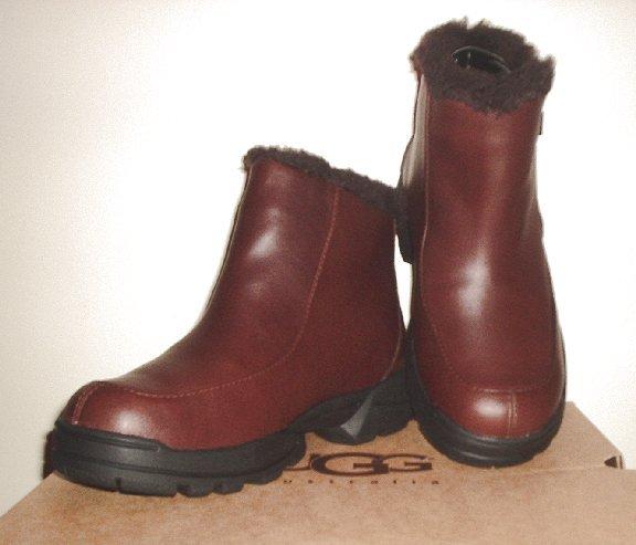 New UGG AUSTRALIA Sierra winter boots Womens 8 NIB