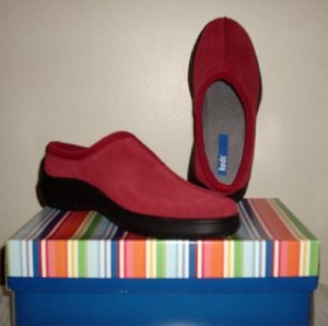 New KEDS Hampshire suede clogs red mules shoes W 8 NIB