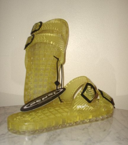 NEW SENSI La Jolla SANDALS Yellow water Slides W 8 NWT