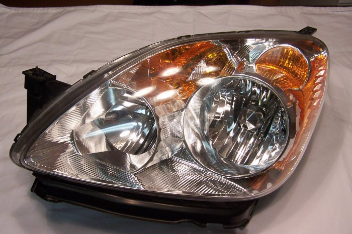 Honda CRV head lamp