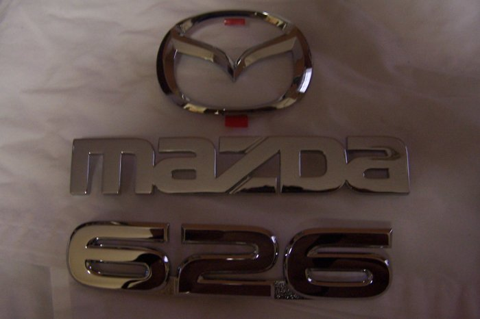 MAZDA 626 trunk emblem
