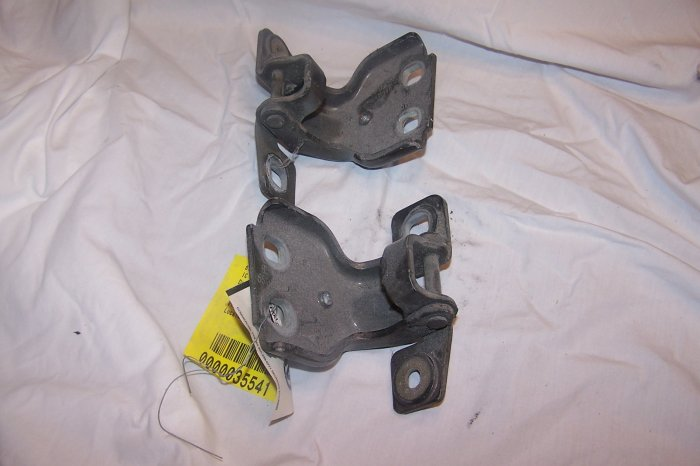 Jeep Grand Cherokee passenger rear door hinges