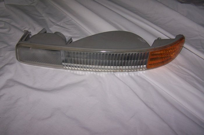 GMC yukon LH signal lamp