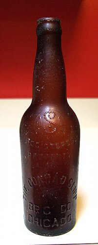 OLD CONRAD SEIPP BREWING CHICAGO IL BOTTLE WITH SCALES TRADEMARK 1915 STRETCH MARKS