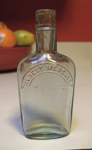 OLD HONEST MEASURE WHISKEY FLASK 2 FLD OZ FLUID OUNCES PRE-PROHIBITION TOOLED TOP GREEN