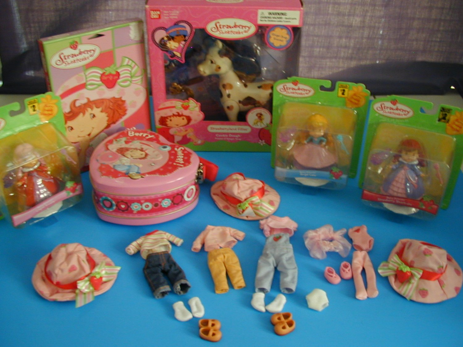 Strawberry Shortcake Ban-Dai Lot~ Cookie Dough Filly~ Berry Princess~Clothes