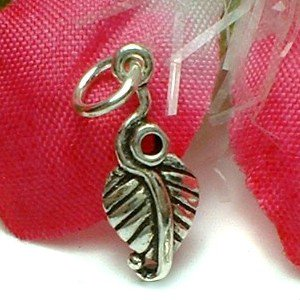 925 STERLING SILVER SMALL LEAF CHARM / PENDANT